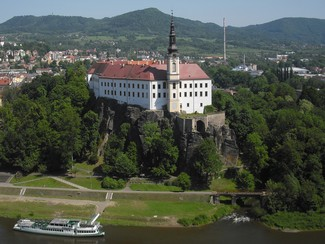 Guided tour of the chateau and the town of Děčín